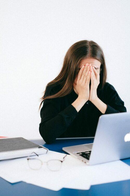 burno out, stress au travail : définition de cynthia belles, sophrologue